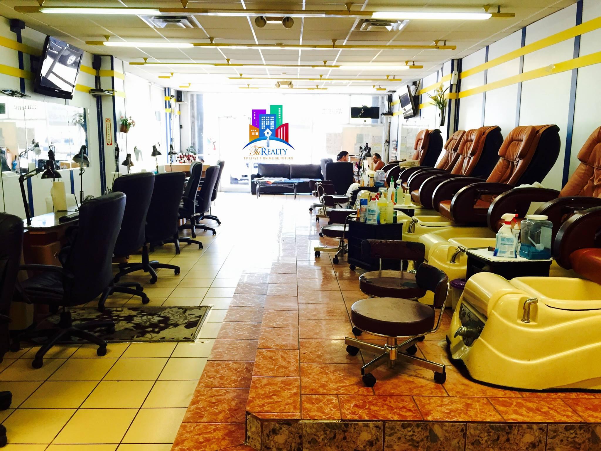 Local Comercial Salon de Uñas y Depilación